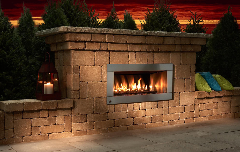 Outdoor living fox valley stone brick for Back to back indoor outdoor fireplace